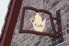 10-cafe-schild